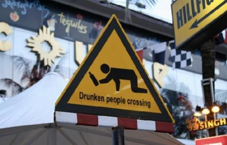 фото «Впереди пьяные»: необычный дорожный знак удивил водителей в Новосибирске 3