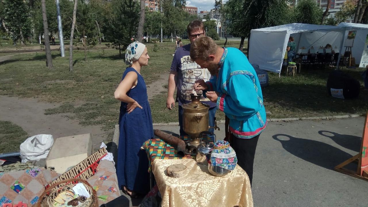 Фото Новосибирцы преобразили сквер за НОВАТом в рамках акции «Посади своё дерево» 8