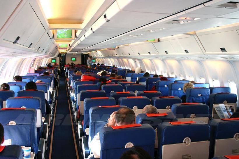 фото Два года и крупный штраф получил новосибирец за дебош на борту самолёта 2
