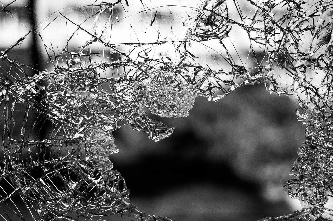 Фото Дети спали: квартиру кандидата в депутаты Гордумы Томска обстреляли из травмата 2