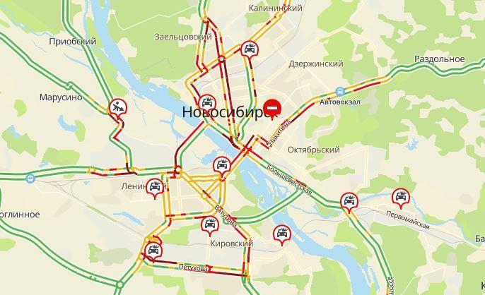 Фото «Дорожно-стихийное бедствие»: мощный ливень спровоцировал пробки в 9 баллов на улицах Новосибирска 2