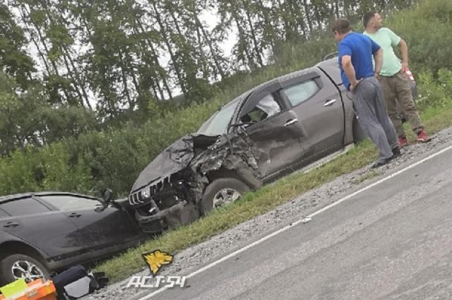 Фото Опубликованы фото ДТП под Новосибирском, в котором погибла 16-летняя девочка 2