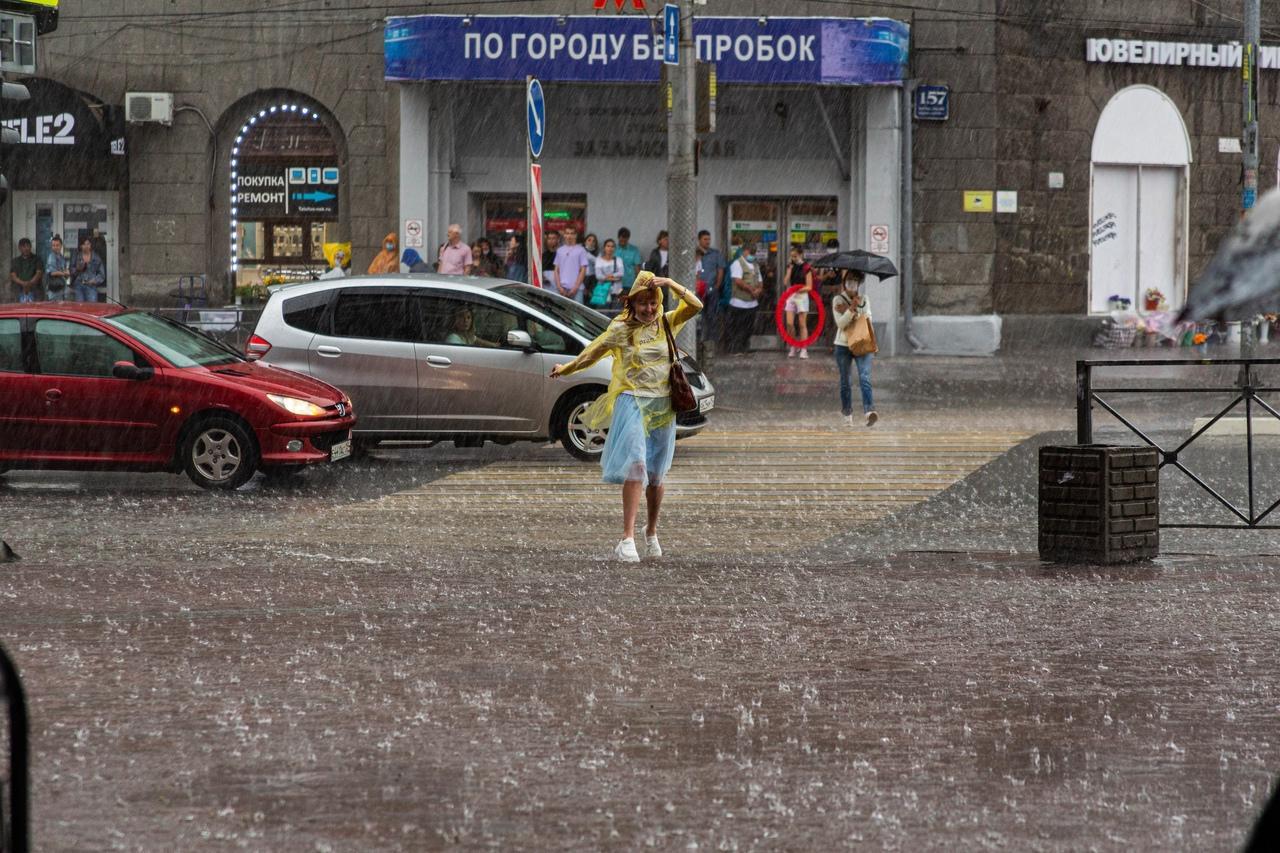 Фото Затопило за 10 минут: что творится в Новосибирске после мощного ливня 4 августа 2