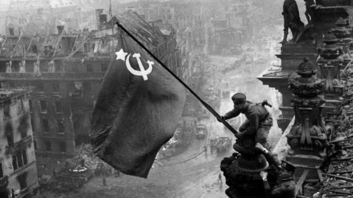 Фото «Это всегда до мурашек»: новосибирский фотограф из Аргентины назвал 10 лучших снимков в истории человечества 4