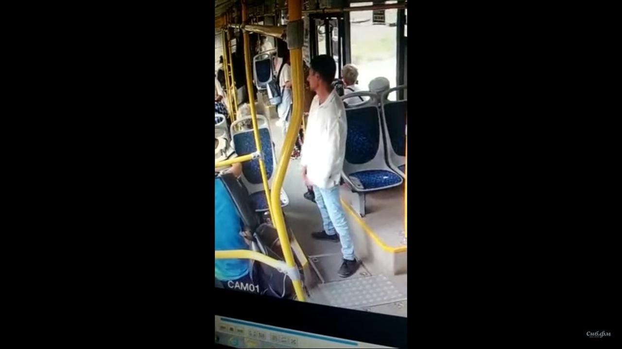 Фото Угроза суицида на пляже, нападение с ножом на пенсионера в автобусе, второе золото Софии Поздняковой и отмена Дня ВДВ в Новосибирске – итоги выходных 3