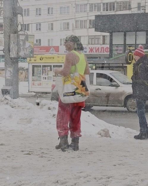 Фото Чудаки: топ-5 странных персонажей, которые шокируют жителей Новосибирска 3