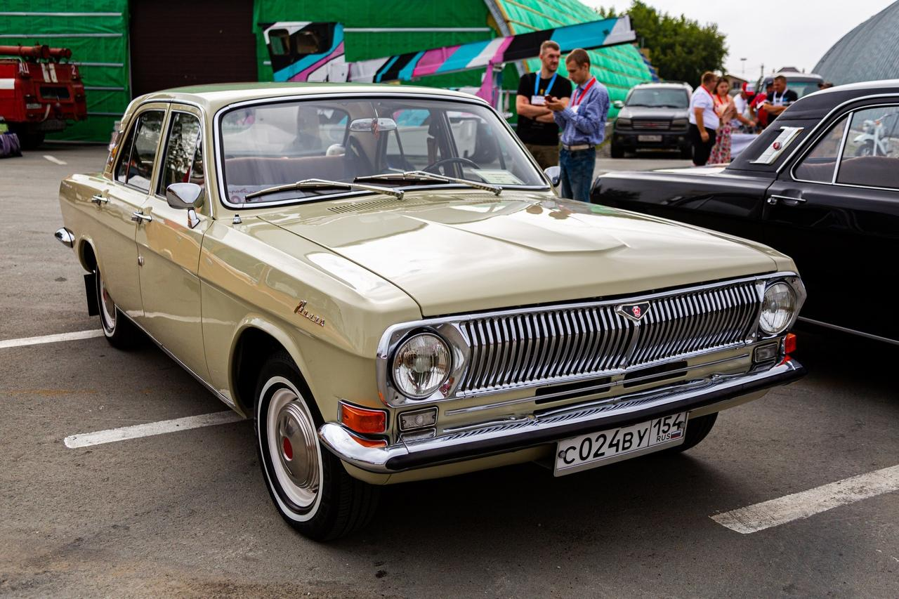 Фото «С каждым годом они становятся ценнее: за что в Новосибирске любят машины эпохи СССР 5