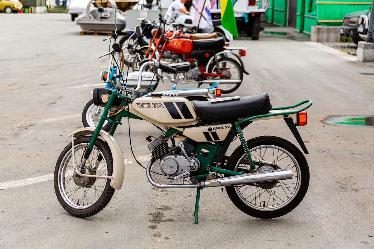 Фото «С каждым годом они становятся ценнее: за что в Новосибирске любят машины эпохи СССР 11