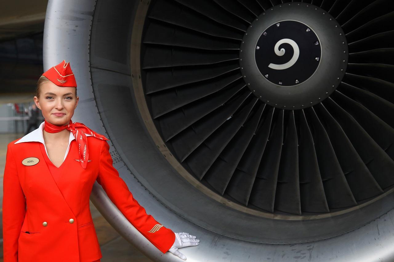 Фото С чем реально сталкиваются стюардессы – изнанка престижной профессии, ставшей секс-символом в глазах мужчин 4