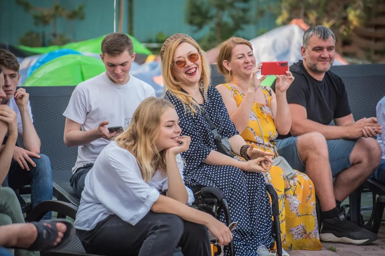 Фото Особенные рассказы: как прошёл первый спектакль нового инклюзивного проекта в Новосибирске 6