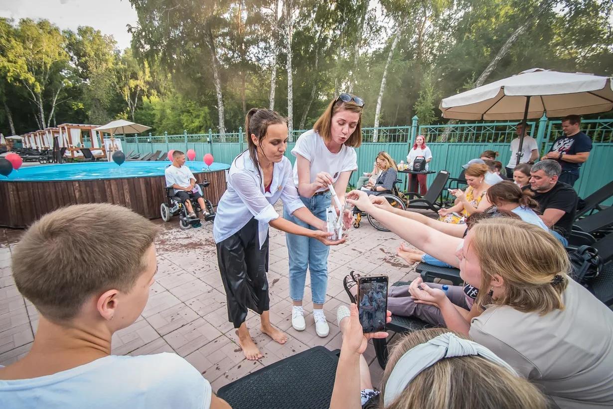 Фото Особенные рассказы: как прошёл первый спектакль нового инклюзивного проекта в Новосибирске 13