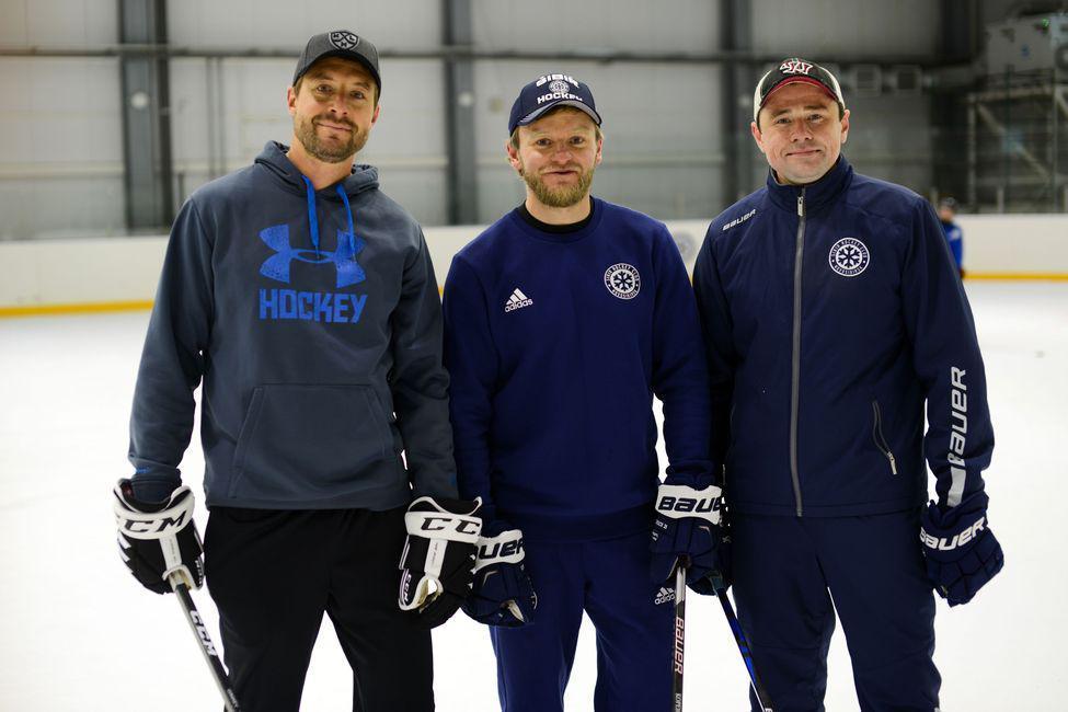 Фото Серию открытых тренировок для детей провели бронзовые призёры КХЛ в Новосибирской области 3