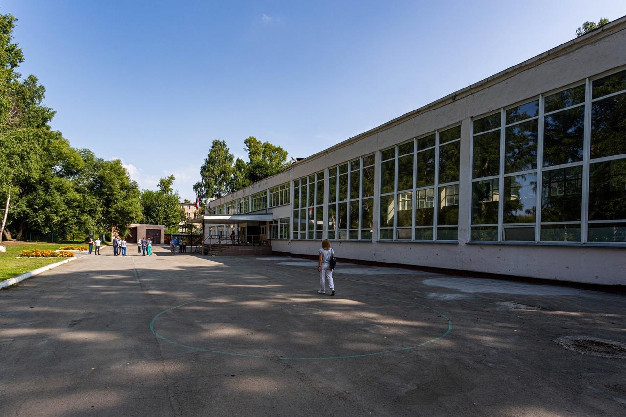 Фото Депутаты проконтролируют ремонт спортзала в школе № 63 на Затулинке 3