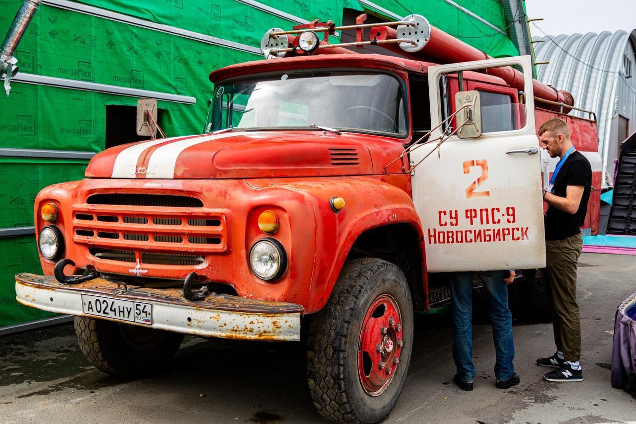 Фото «С каждым годом они становятся ценнее: за что в Новосибирске любят машины эпохи СССР 6
