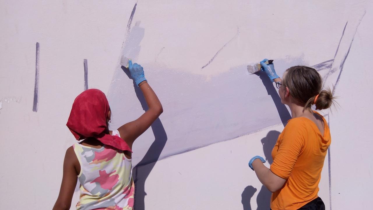 Фото «Вы делаете гетто из Академгородка»: что происходит с граффити художников в научном центре Новосибирска 3