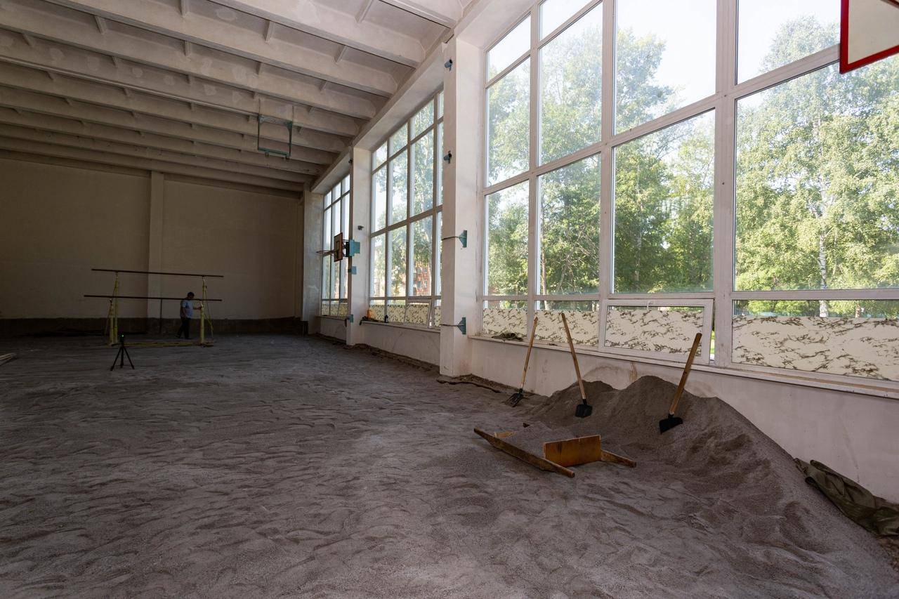 Фото Депутаты проконтролируют ремонт спортзала в школе № 63 на Затулинке 2