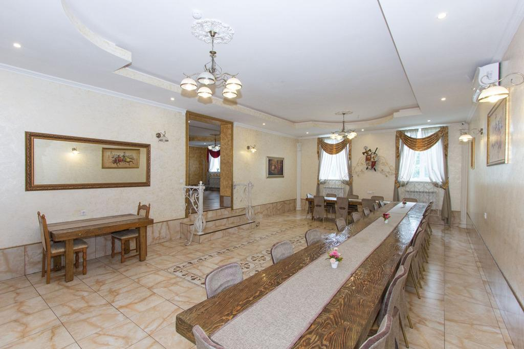 Фото Гостиницу в виде замка продают за 42 миллиона рублей под Новосибирском 3