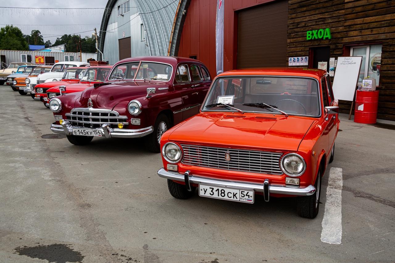 Фото «С каждым годом они становятся ценнее: за что в Новосибирске любят машины эпохи СССР 2
