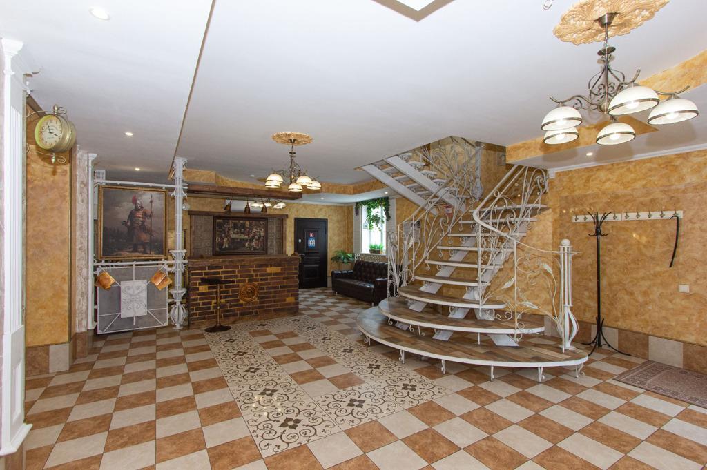 Фото Гостиницу в виде замка продают за 42 миллиона рублей под Новосибирском 2