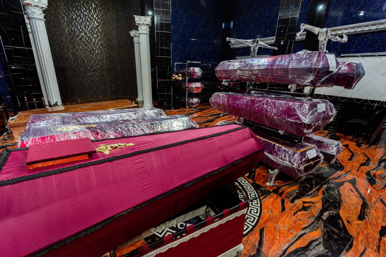 Фото «Сделайте так, чтобы он улыбался»: в ритуальном агентстве рассказали о ценах на ВИП-похороны в Новосибирске и самых необычных просьбах родственников 2