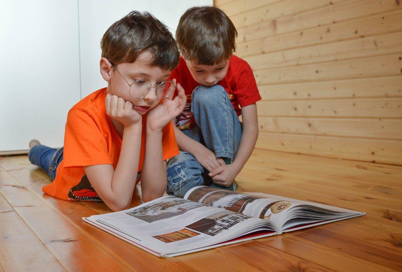 Фото «Покричи, потом вытри слёзы и собери ему портфель»: психолог из Новосибирска ответила на главные страхи родителей будущих школьников 4