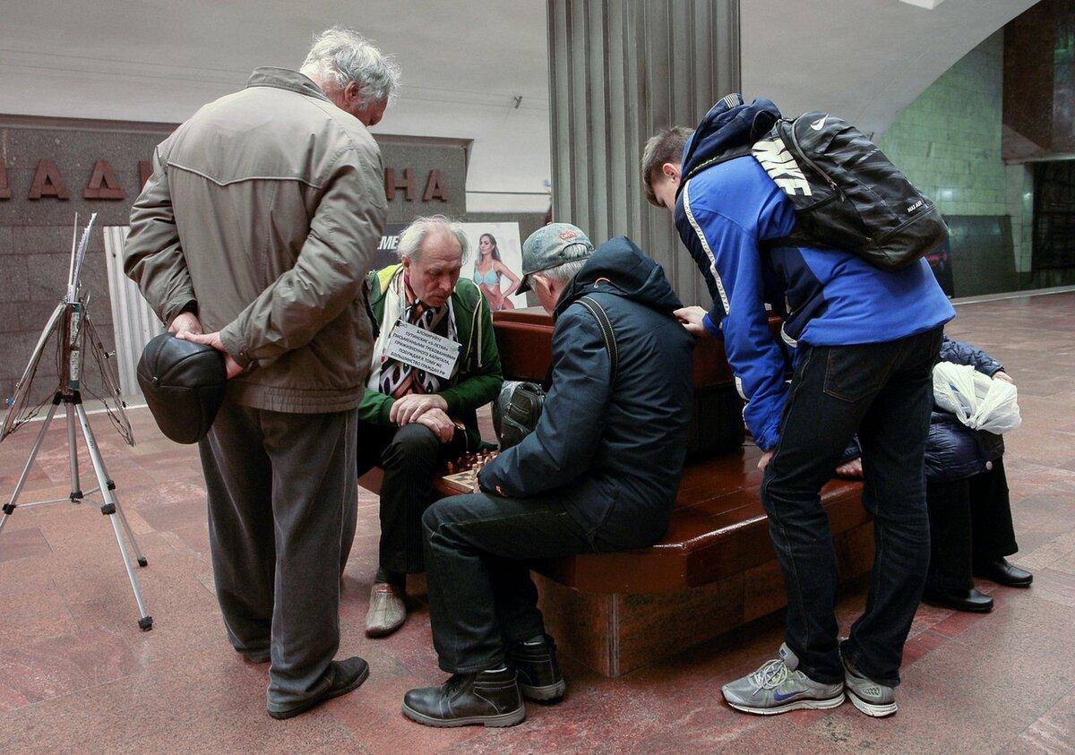 Фото Чудаки: топ-5 странных персонажей, которые шокируют жителей Новосибирска 4