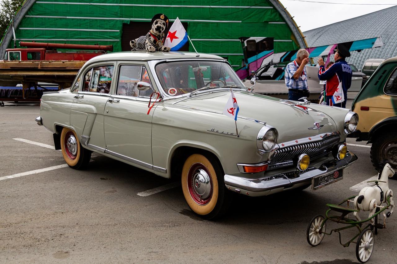 Фото «С каждым годом они становятся ценнее: за что в Новосибирске любят машины эпохи СССР 3