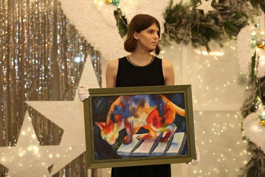 Фото Юные новосибирцы продали свои картины ради больных раком детей 3