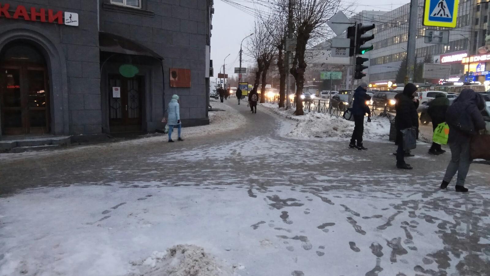 фото Горшочек, не вари: дороги Новосибирска превратились в кашу 5