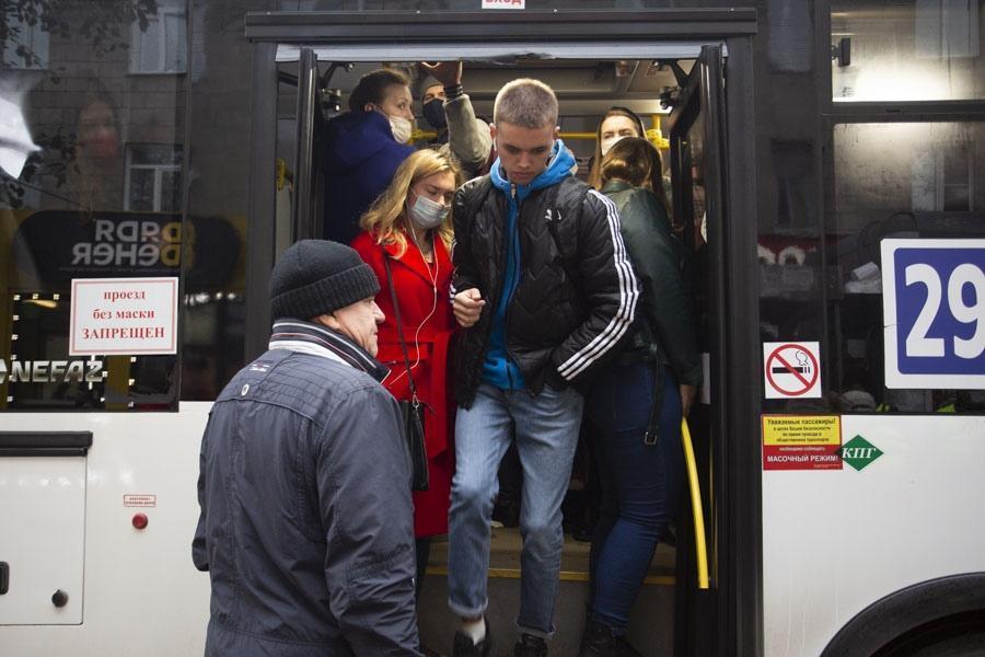 фото Власов – чемпион, открытие фуд-кортов и новые выплаты от Путина – итоги недели с Сиб.фм 5