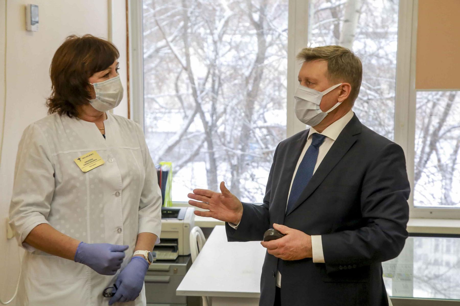 фото Путин объявил массовую вакцинацию от коронавируса: готовы ли известные новосибирцы поставить прививку 5