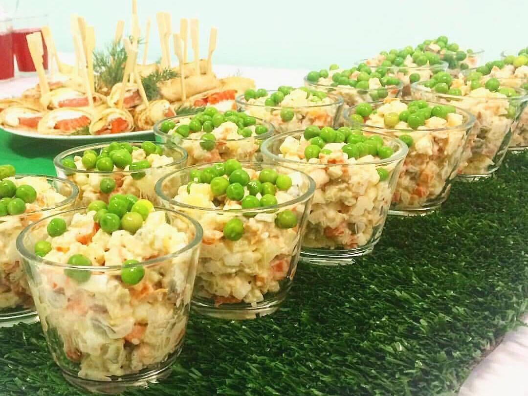 фото Что приготовить на Новый год: пошаговые рецепты оливье с лососем, цезаря и дорадо с овощами от сибирских шеф-поваров 3