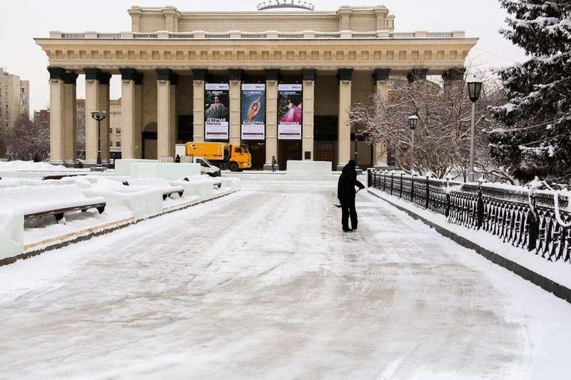 фото Дату открытия скандального катка в Театральном сквере назвали в Новосибирске 2