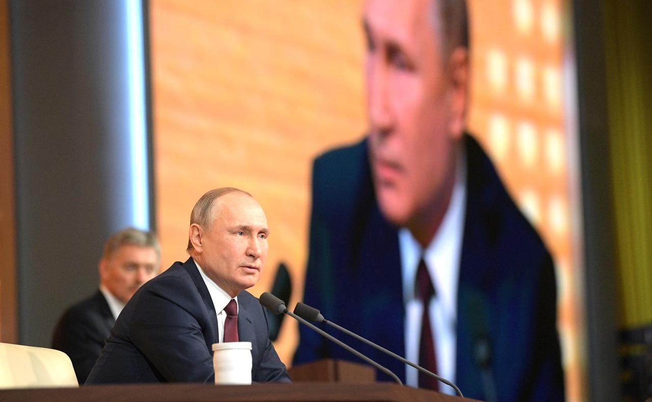 фото Власов – чемпион, открытие фуд-кортов и новые выплаты от Путина – итоги недели с Сиб.фм 11