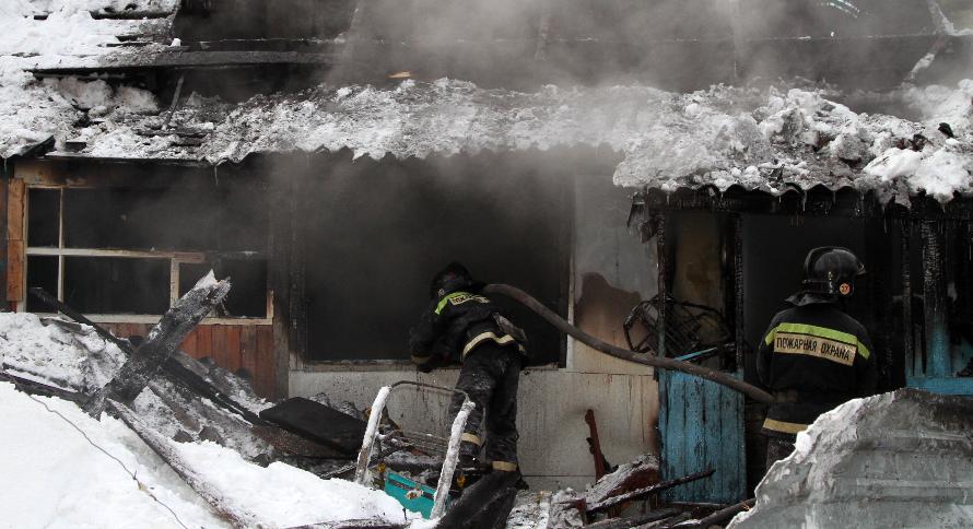 фото Двадцать одна жертва пожаров: почему в Новосибирской области полыхают дома и люди гибнут в огне 4
