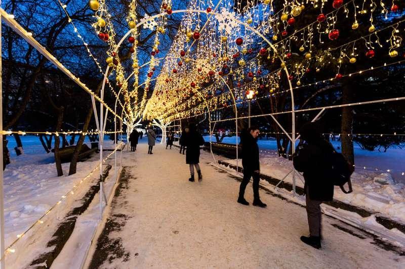 Фото «Это просто праздник какой-то»: 20 сказочных фото Новосибирска для новогоднего настроения 7