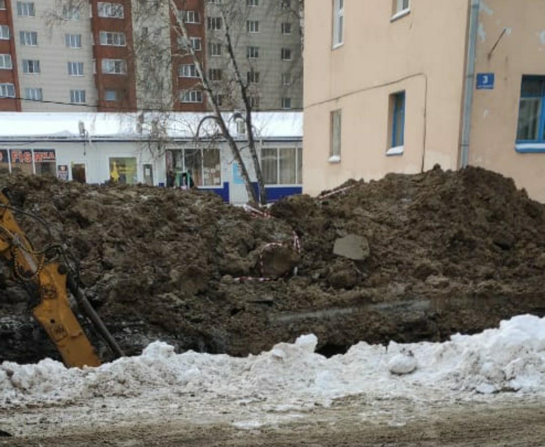Фото Деньги на ветер: аллею за 13 миллионов перекопали в пригороде Новосибирска через месяц после открытия 3