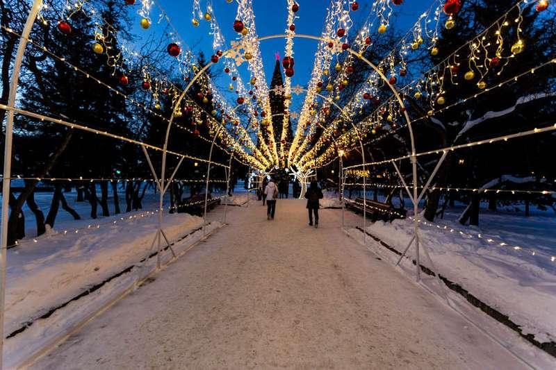 Фото «Это просто праздник какой-то»: 20 сказочных фото Новосибирска для новогоднего настроения 5