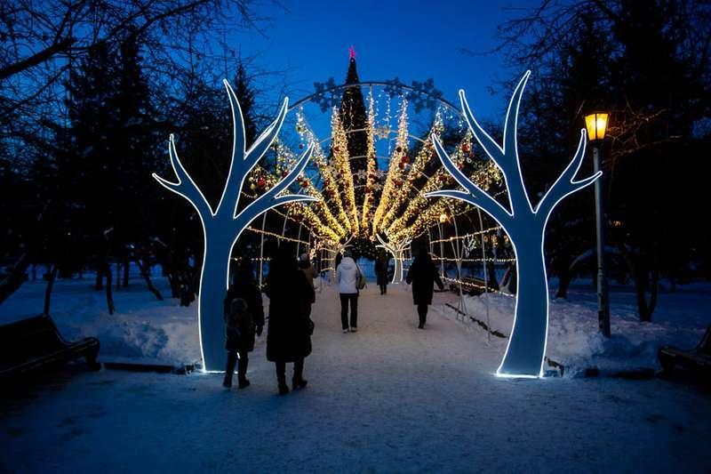 Фото «Это просто праздник какой-то»: 20 сказочных фото Новосибирска для новогоднего настроения 2