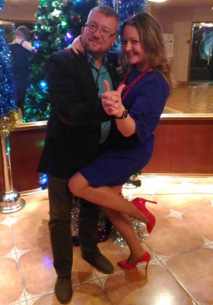 фото Выключаем «Голубой огонёк»: 5 взрывных идей домашнего Нового года от профессиональных ведущих 6