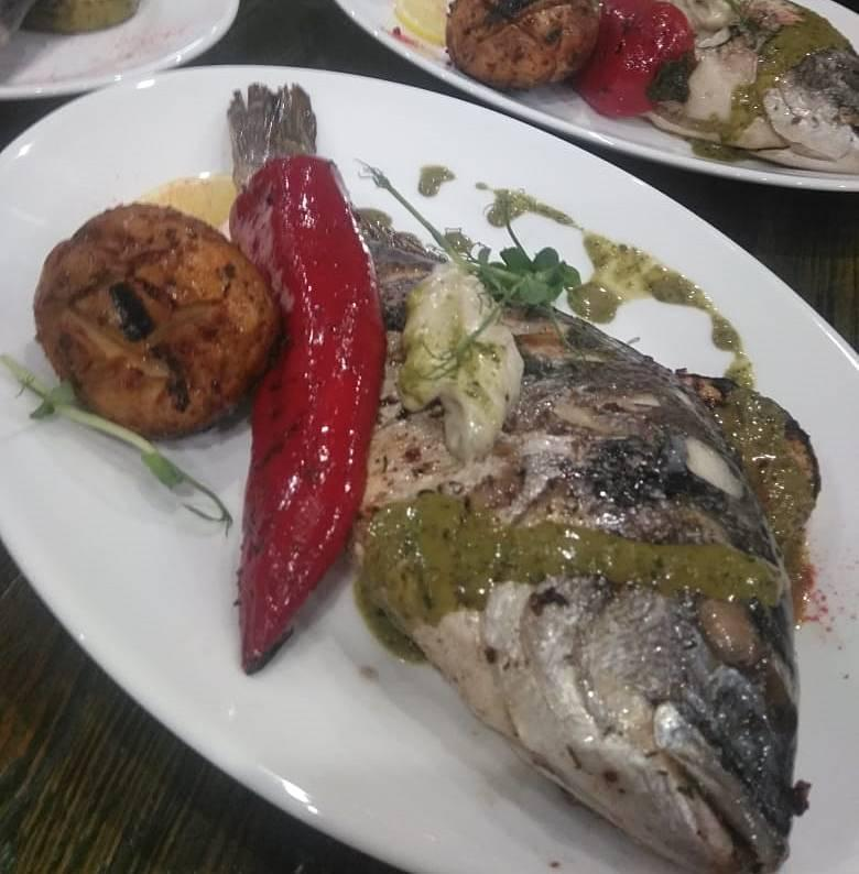 фото Что приготовить на Новый год: пошаговые рецепты оливье с лососем, цезаря и дорадо с овощами от сибирских шеф-поваров 5