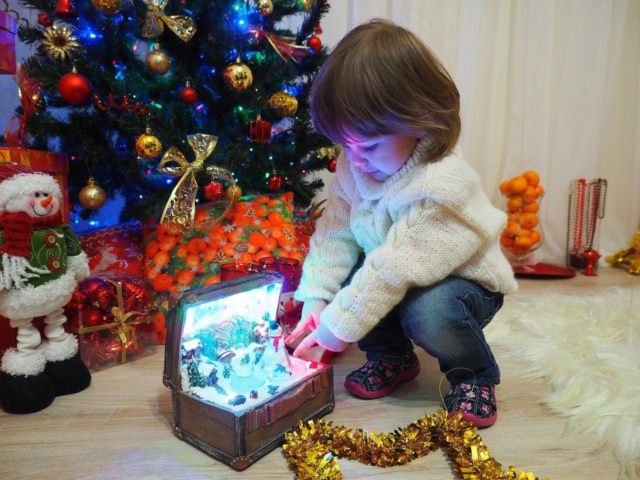 фото Выключаем «Голубой огонёк»: 5 взрывных идей домашнего Нового года от профессиональных ведущих 3