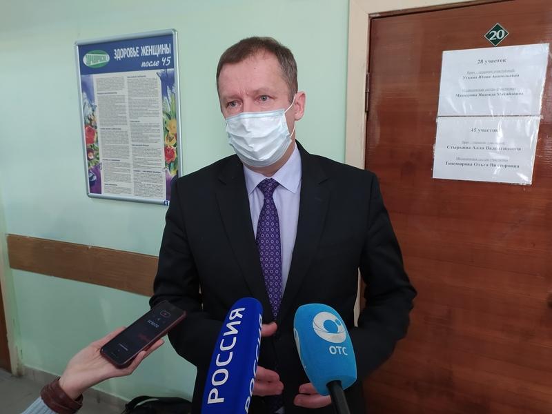 фото В Новосибирске медиков начали прививать от коронавируса: первые фото с вакцинации 3