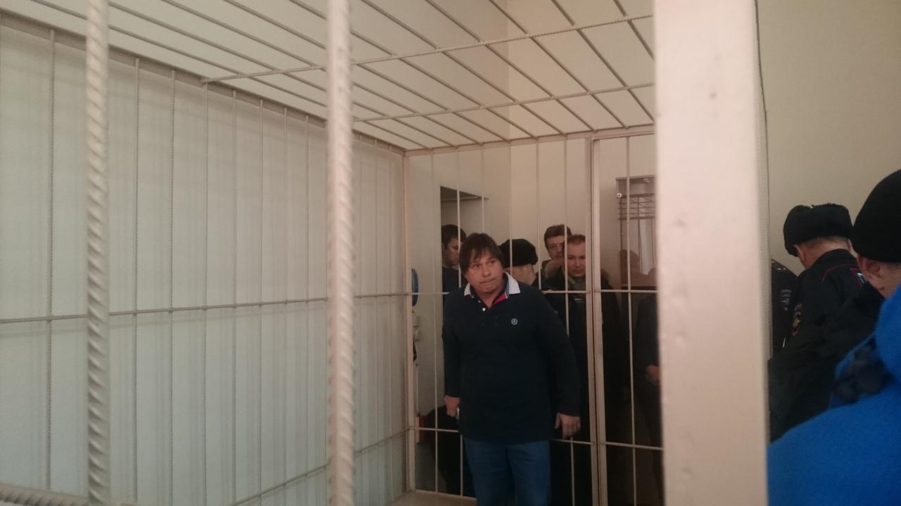 Фото Топ-менеджерам клиники Мешалкина избирают меру пресечения по делу о хищениях 3