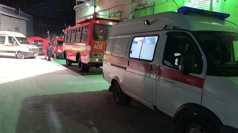 фото Погибла под завалами: появились первые кадры с места ночного обрушения крыши в кафе Новосибирска 6
