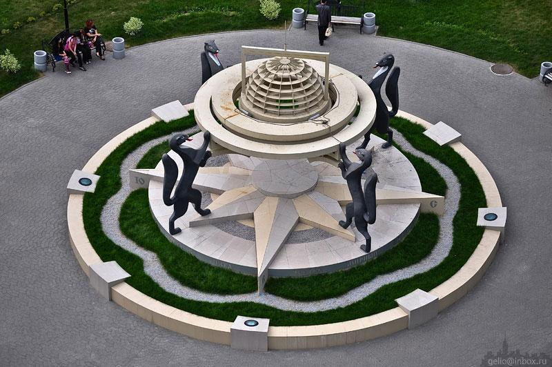 фото Пицца или пончик: новосибирцам предложили выбрать новый дизайн легендарной скульптуры соболей 3