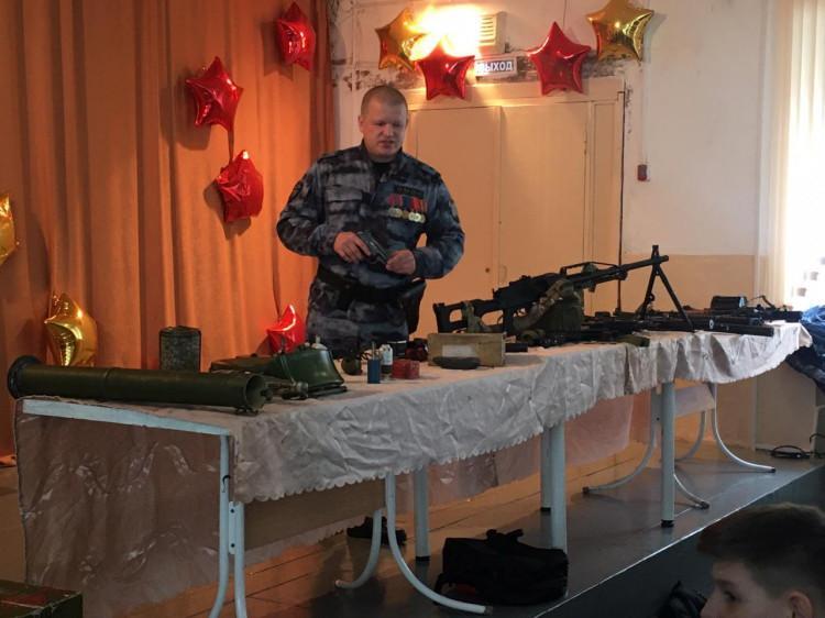 фото «Главное - спасти заложников»: новосибирский омоновец - о Чечне, переговорах с террористами и дне рождения под пулями 3
