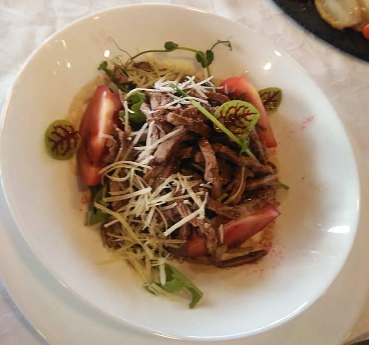 Фото Томлёная говядина и лосось с авокадо: беспроигрышные рецепты для романтического ужина 14 февраля 2