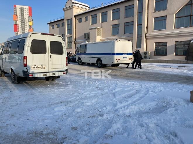 фото Директор рынка устроил стрельбу в Красноярске 2