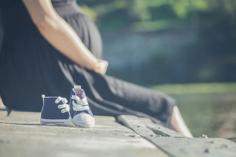 фото Беременна в 16: почему рожают маленькие девочки и что будет с их детьми 2